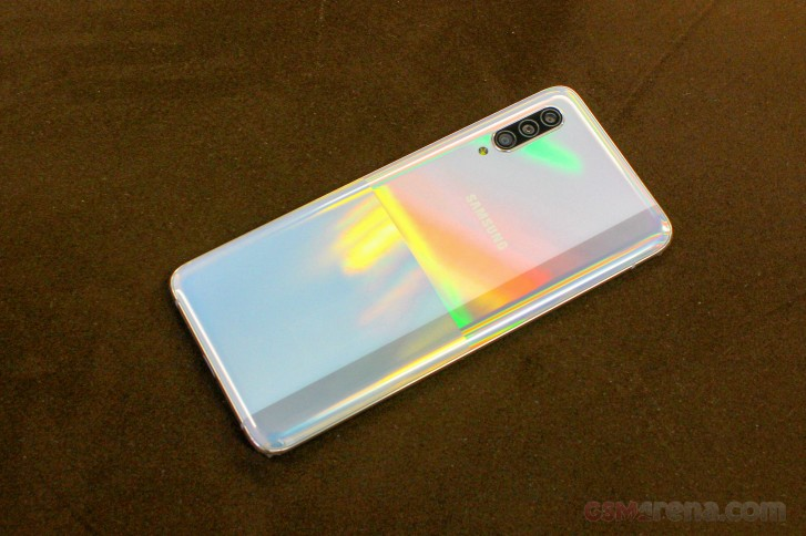 Deal: grab a Samsung Galaxy A90 5G for just $449.99
